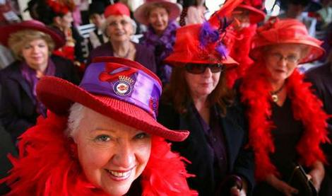 red-hat-society - Boomer Style MagazineBoomer Style Magazine 9099144084a